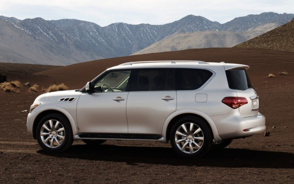 2013-Infiniti-QX-profile-mountains-1024x640