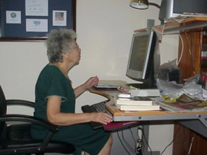 old-lady-at-computer9