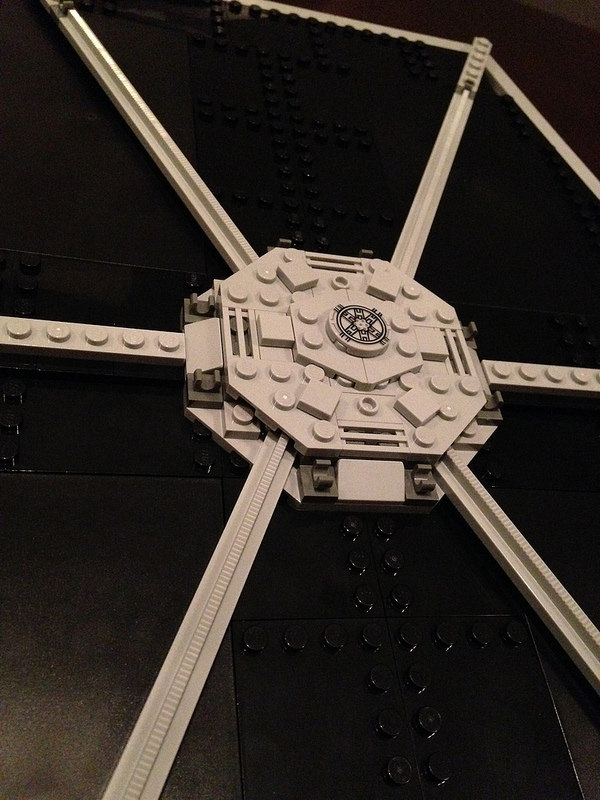 Here's an up close look at the outside center of the panels on the Fighter. Looks great!
